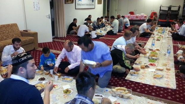 Gollandiyediki Uyghurlar iptarda