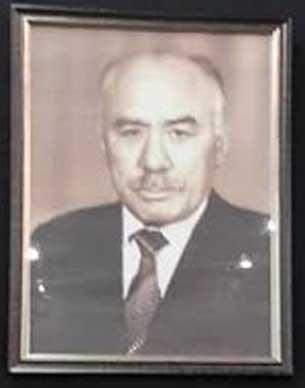 Sowét Uyghurshunasi emir nejip ependi. Uyghurche-rusche lughetning aptori.