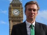 Әнглийә парламентиниң консерватиплар партийәси әзаси һенри смит.