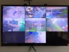 تايلاند مۇساپىرلار لاگېرىدىكى ئۇيغۇر مۇساپىرلارنى كۆزىتىۋاتقان ئاپپارات. 2015-يىلى يانۋار.