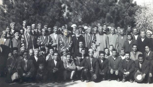 1965-يىلى ئافغانىستاندىن تۈركىيەنىڭ قەيسەرى شەھىرىگە كۆچۈرۈلگەن ئۇيغۇرلار. 1965-يىل، تۈركىيە قەيسەرى.