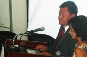 Mongghuliye medeniyet ministiri otgonbayar söz qildi. 2011-Yili 15-awghust.