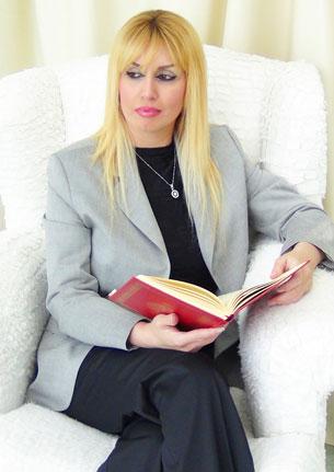 Türk axbaratchi  meltem arikan xanim. 2012-Yili noyabir, türkiye.