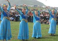 uyghur-omiki-fest3-200.jpg