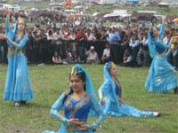 uyghur-omiki-fest4-200.jpg