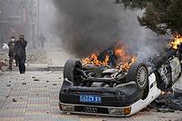 lhasa_caronfire-200.jpg
